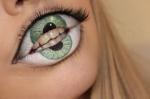 http://psychosandra.blogg.se/2013/march/lip-eye-video.html